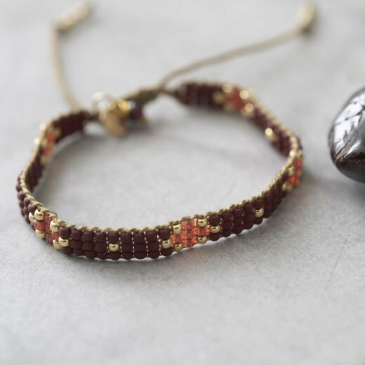 A BEAUTIFUL STORY Summerlight Garnet Bracelet