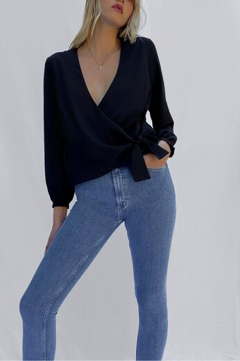 FRENCH CONNECTION Crepe Light Wrap Over Top black